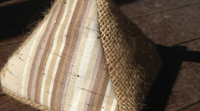 Burlap Doorstop Pattern and Instructions – a gift for someone with everything
