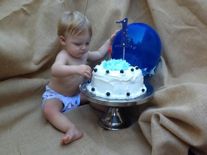 Baby Smash Cake Photo Shoot using Burlap as a Photo Backdrop